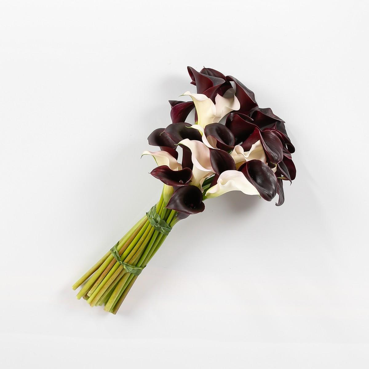 Купить цветы черные каллы в москве